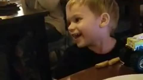 toddler has the cutest reaction to a belly dancer