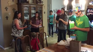 Family of 7 shocks everyone with announcement of triplets - Video