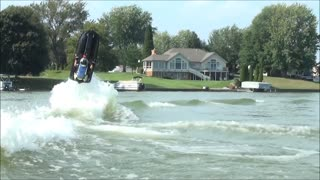 Epic fail: Man attempts to super flip a jet ski - Video