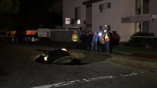 Sink Hole in Los Angeles  - Video