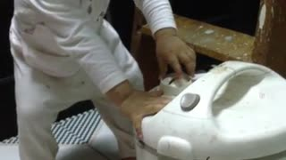 Baby repair electric cooker for dad - Video