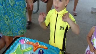 Kid Gets Called Out For Not Singing Happy Birthday - Video