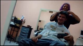 Cortando o cabelo AO VIVO - Bastidores - Video