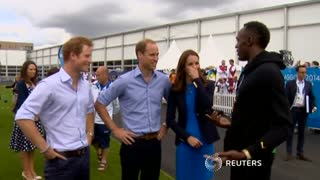 Usain Bolt meets British royals - Video