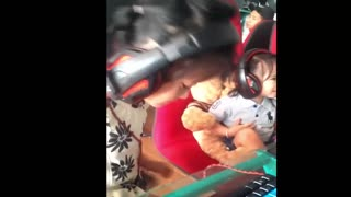 "Baby play ""LOL"" so cute - Video"
