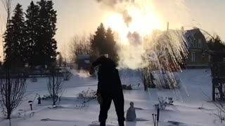 Hot Water Instantly Vaporized In -31 Fahrenheit Temperatures - Video