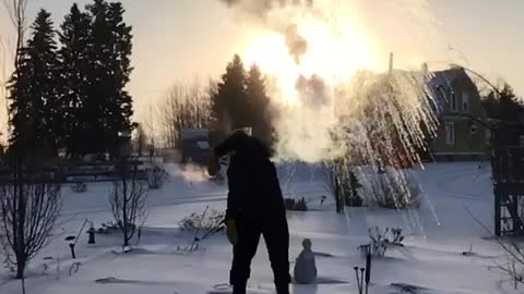 Hot Water Instantly Vaporized In -31 Fahrenheit Temperatures