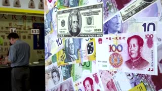 China's Li seeks to quell market fears - Video
