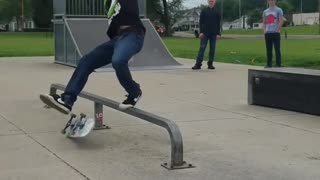 Collab copyright protection - black blonde hair skate rail back  - Video