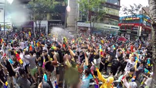 Thousands gather for water gun fight in South Korea - Video
