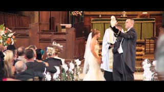 Owl Flies Down Aisle To Deliver Wedding Rings - Video