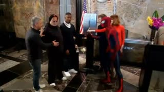 Emma Stone, Jamie Foxx And Spider-Man Visit The Empire State Building - Video
