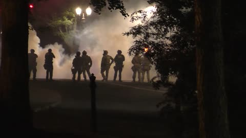 """US Marshals Hold Nothing Back When Dealing With """"Protesters"""" In Portland Oregon"""