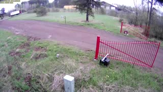 Don't Mess With The Gate! - Video