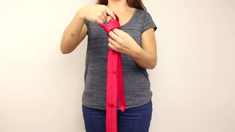 The easiest and quickest way to tie a tie