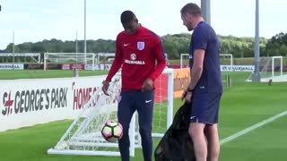 VIDEO: Marcus Rashford amazing skills in England U21 training. - Video