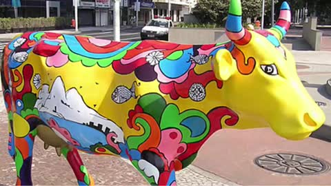"Compilation of images ""Cow parade"""