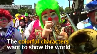 Clowns convene for convention amid prank hysteria - Video