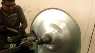 Manufacturing of aluminium vessels - Video
