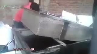 Small Popcorn Factory In Iran - Video