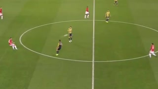 That Carrick pass and beautiful take down from Mata - Video