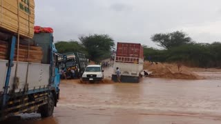 Crossing A River in Somaliland - Video