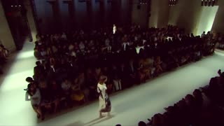 Victoria Beckham's shows beachy spring 2016 - Video