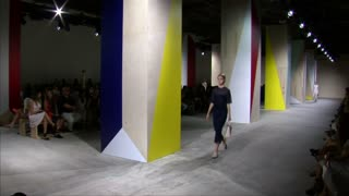 Hugo Boss Women reworks its iconic tailoring - Video