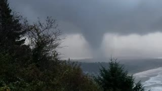Tornado in Oregon - Video