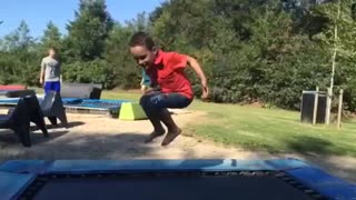Trampoline fun in the sun - Video