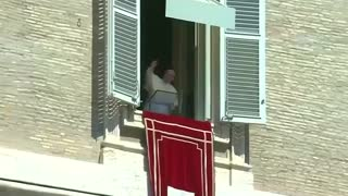 "Pope calls migrant deaths ""crimes which offend entire human family"" - Video"