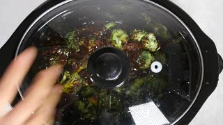 Slow cooker broccoli beef - Video