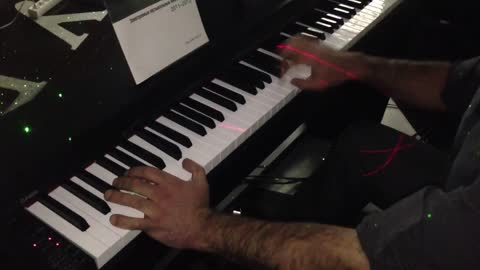 Incredibly Talented Pianist Plays 23 Notes Per Second