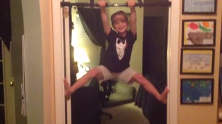 Kid Pulls Prank With Pull-Up Bar - Video