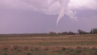 Chilling tornado footage captured in Eckley, Colorado - Video