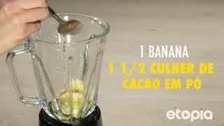 Saudável vitamina de banana e chocolate - Video