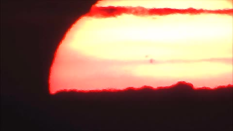 Crazy Huge Spots Appear On The Sun During A Manitoba Sunset