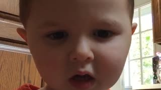 Little boy gets scared of snapchat filter  - Video