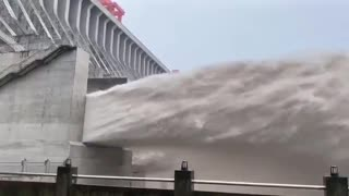 Three Gorges Dam sees largest flood peak since construction of the reservoir