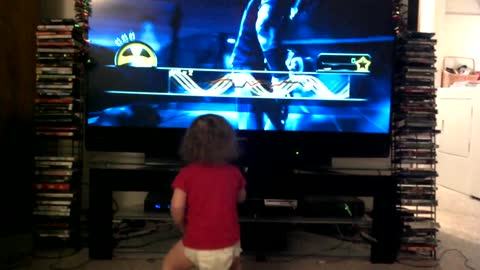 Toddler rocks out to Metallica