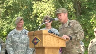 First-ever women graduate from Army Ranger course - Video