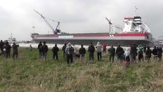 Ship Launching Goes Wrong And Makes Spectators Run For Dry Land - Video