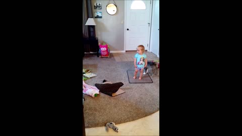 Toddler dances to Watch Me Whip/Nae Nae