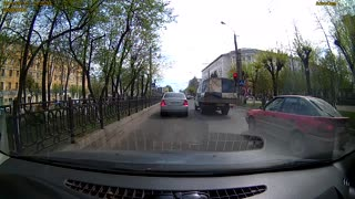 D'oh! I didn't see that truck! - Video
