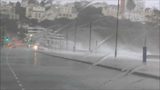Storm Frank Hits Torquay   30/12/15 - Video