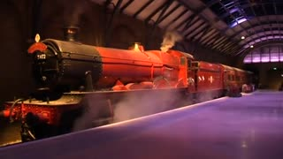 Harry Potter's Hogwarts Express rolls into studio tour - Video