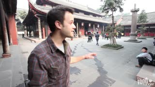 Eating Buddhist Monk Food in Chengdu at Wenshu Temple 文殊院 - Video