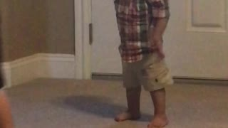 Dancing Baby catches the beat  - Video