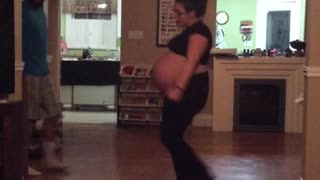 Pregnant Lady Dancing To 'Do That Baby Mama' - Video