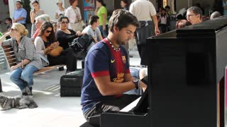 Before Improvisation at the Train Station in Paris - Video